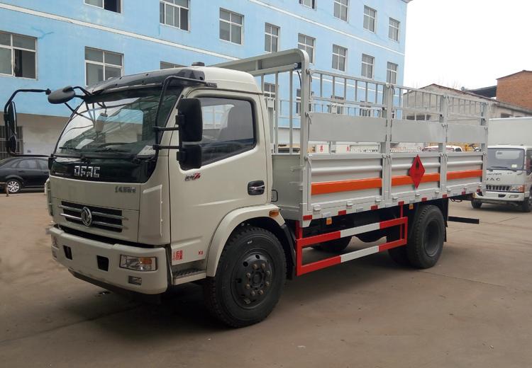 东风大多利卡气瓶运输车(5.1米)