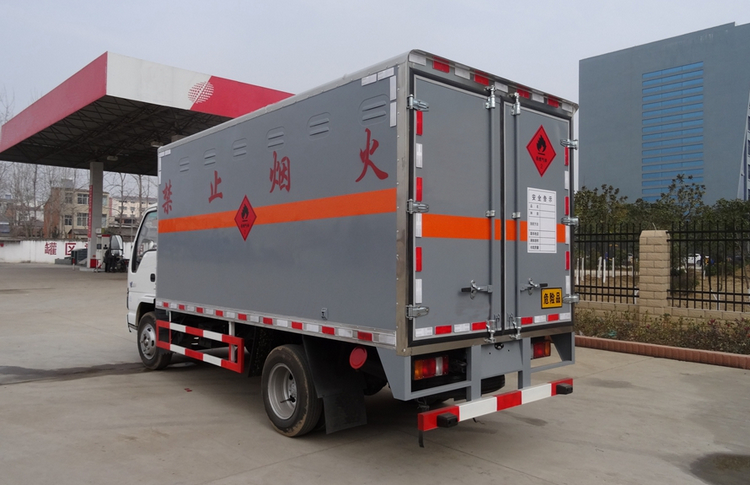 庆铃五十铃易燃液体运输车,厂家电话15997903366